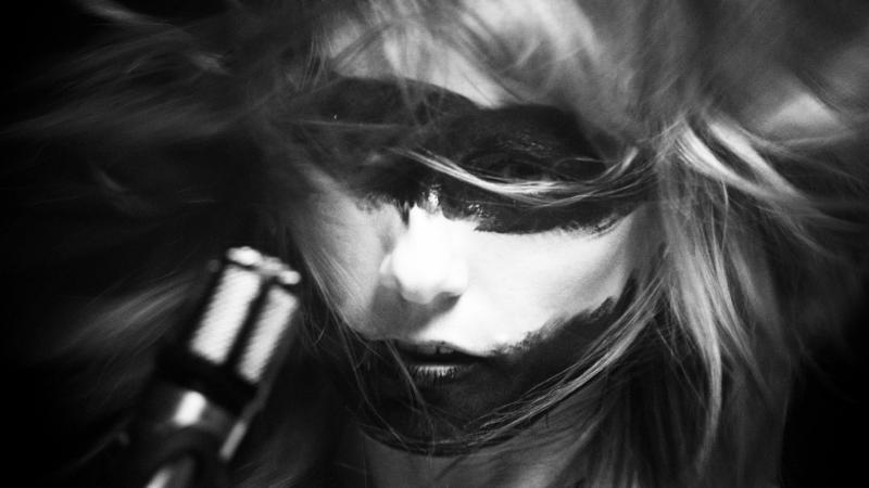Lisa-Elle-Dark-Horses-LOH-film-Screen Shot